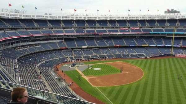 Yankee Stadium, secção: 409, fila: 3, lugar: 4