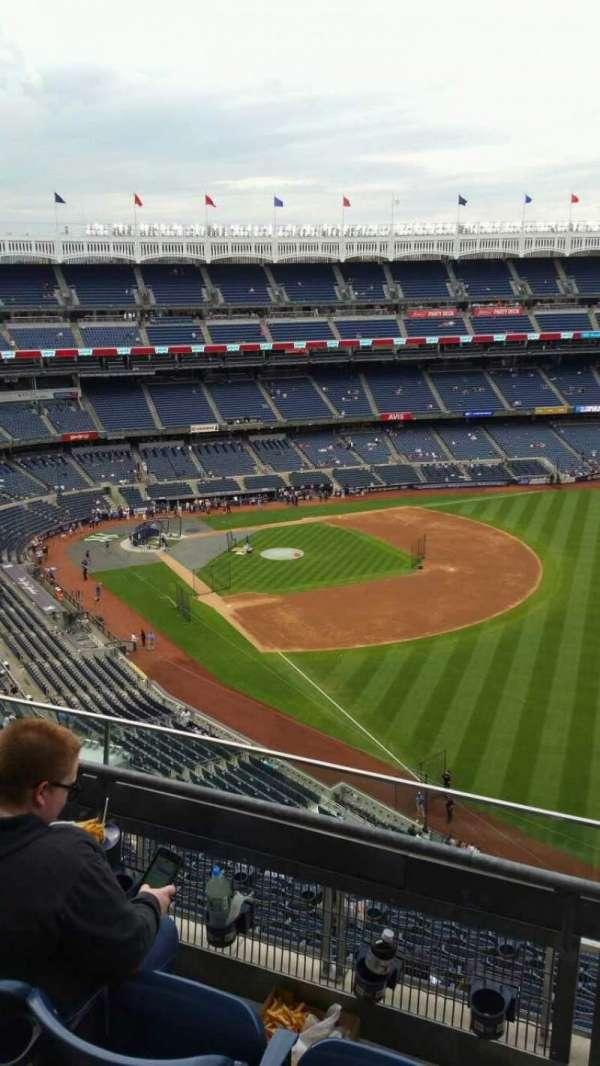 Yankee Stadium, secção: 409, fila: 3, lugar: 5