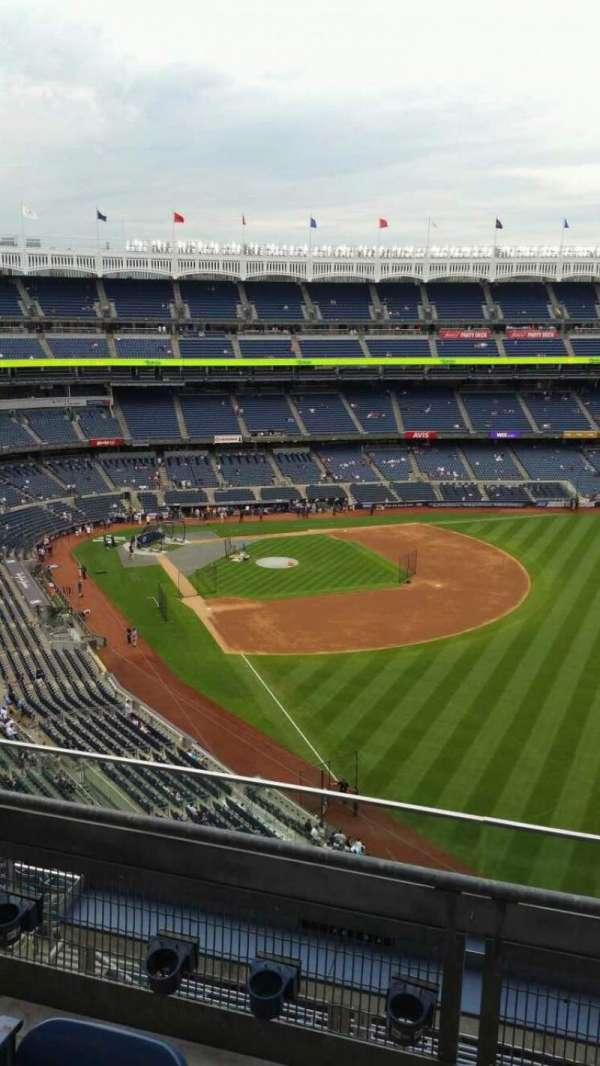 Yankee Stadium, secção: 408, fila: 3, lugar: 8