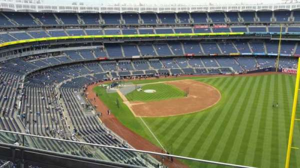 Yankee Stadium, secção: 408, fila: 3, lugar: 7