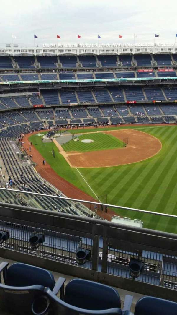 Yankee Stadium, secção: 408, fila: 3, lugar: 4