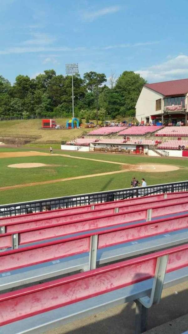 Yogi Berra Stadium, secção: DD, fila: 7, lugar: 2