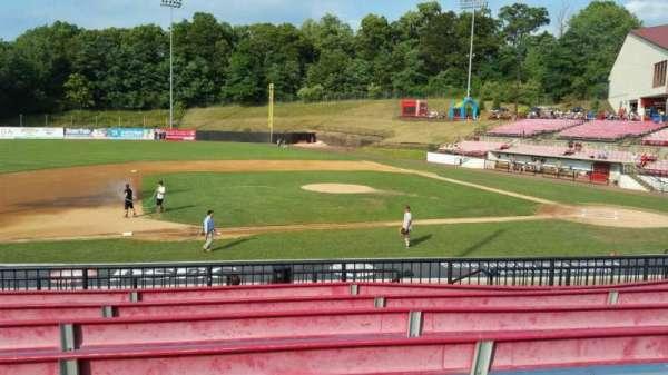 Yogi Berra Stadium, secção: DD, fila: 7, lugar: 9