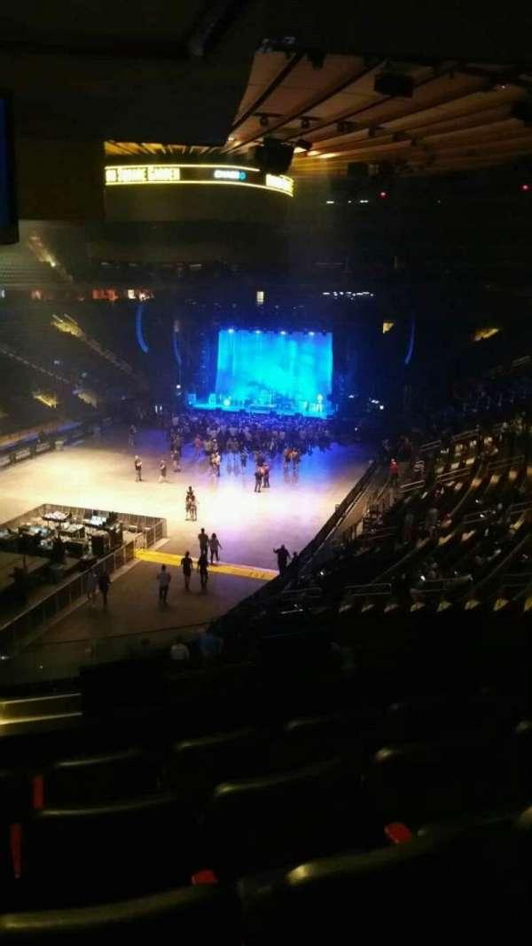 Madison Square Garden, secção: 206, fila: 5, lugar: 9