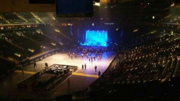 Madison Square Garden, secção: 206, fila: 5, lugar: 7