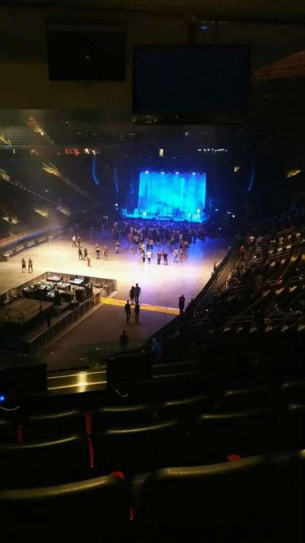 Madison Square Garden, secção: 206, fila: 5, lugar: 6