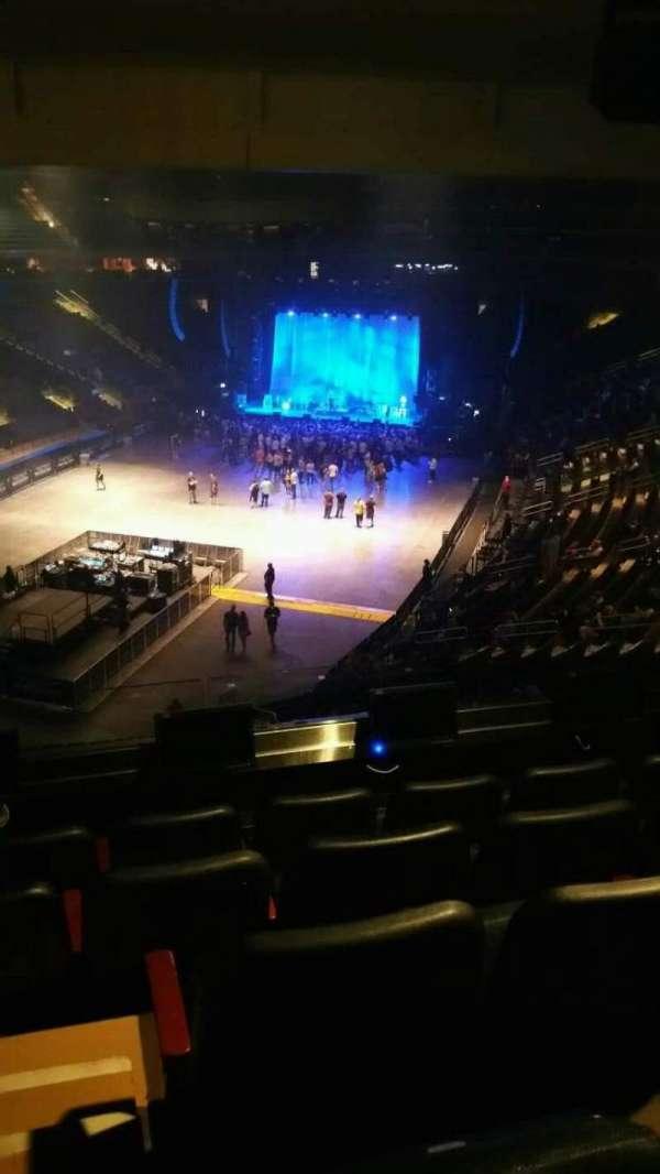 Madison Square Garden, secção: 206, fila: 5, lugar: 2
