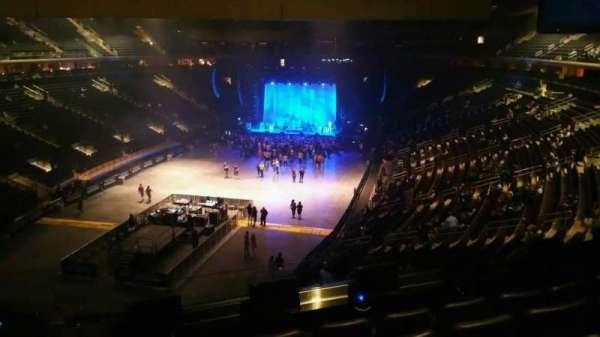 Madison Square Garden, secção: 206, fila: 5, lugar: 1