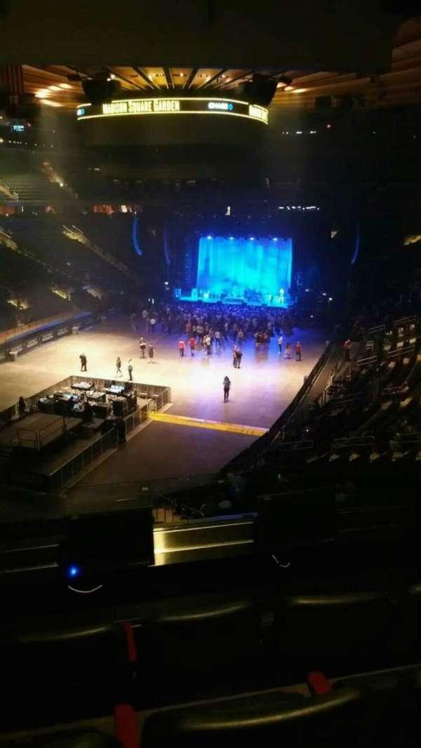 Madison Square Garden, secção: 206, fila: 4, lugar: 3