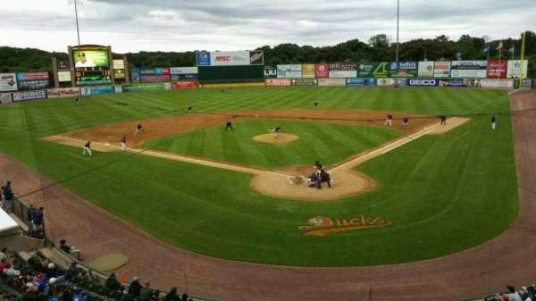 Fairfield Properties Ballpark, secção: 402, fila: A, lugar: 13