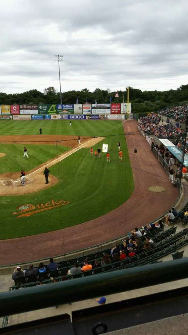 Fairfield Properties Ballpark, secção: 402, fila: A, lugar: 14