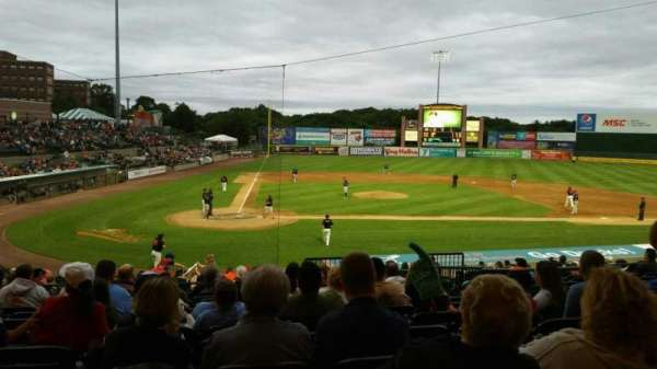 Fairfield Properties Ballpark, secção: 204, fila: V, lugar: 7
