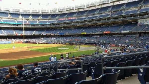 Yankee Stadium, secção: 127A, fila: 13, lugar: 5