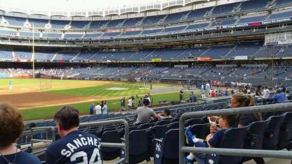 Yankee Stadium, secção: 127A, fila: 9, lugar: 3
