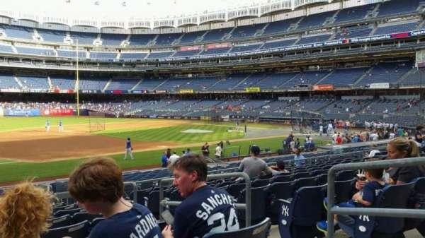 Yankee Stadium, secção: 127A, fila: 9, lugar: 4