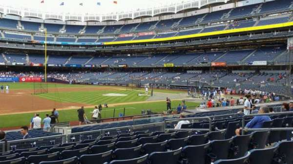 Yankee Stadium, secção: 126, fila: 8, lugar: 9