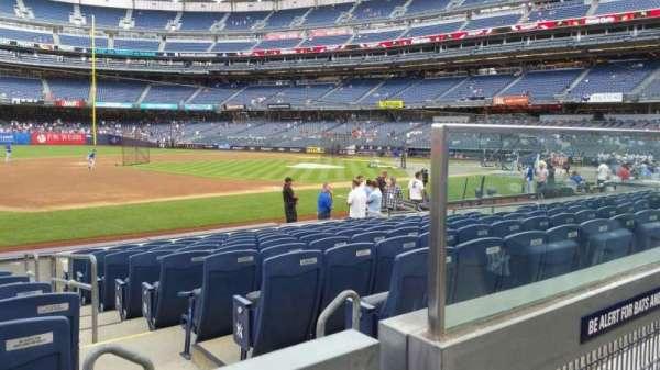 Yankee Stadium, secção: 127A, fila: 1, lugar: 2