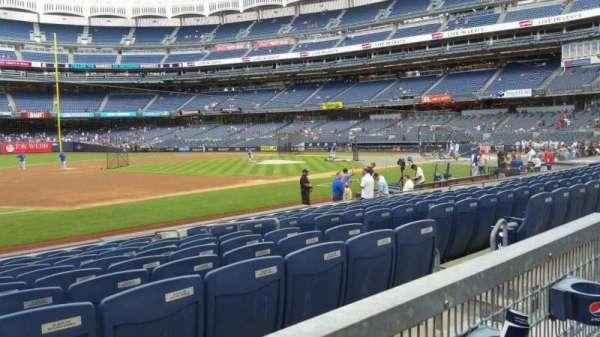 Yankee Stadium, secção: 127A, fila: 1, lugar: 8