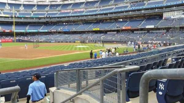 Yankee Stadium, secção: 127B, fila: 5, lugar: 1