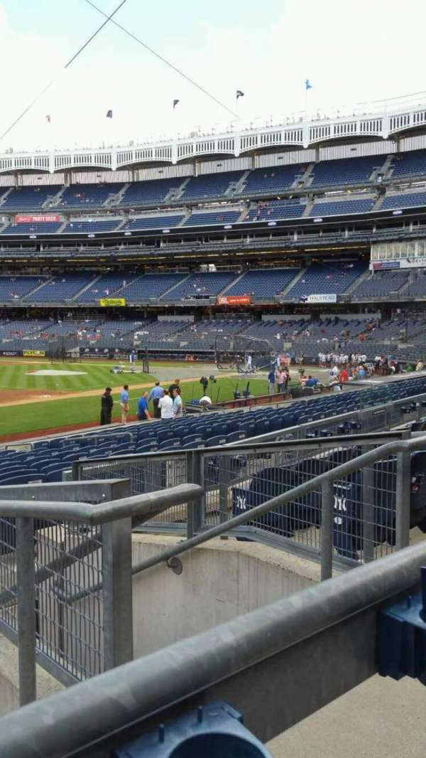 Yankee Stadium, secção: 127B, fila: 5, lugar: 3