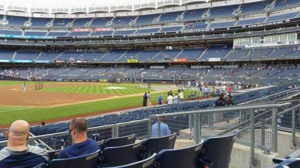 Yankee Stadium, secção: 127B, fila: 5, lugar: 8