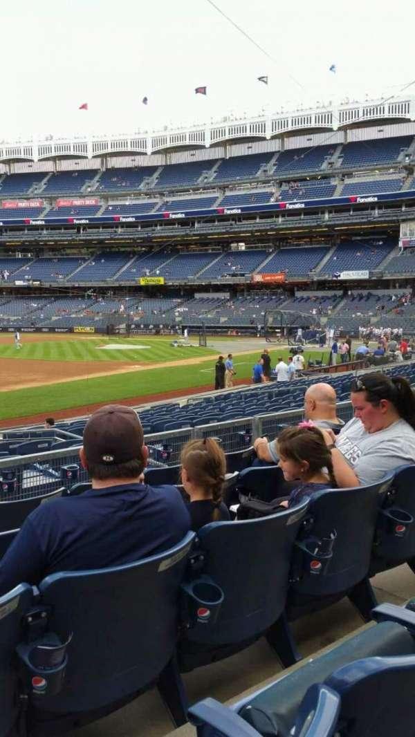 Yankee Stadium, secção: 127B, fila: 5, lugar: 13