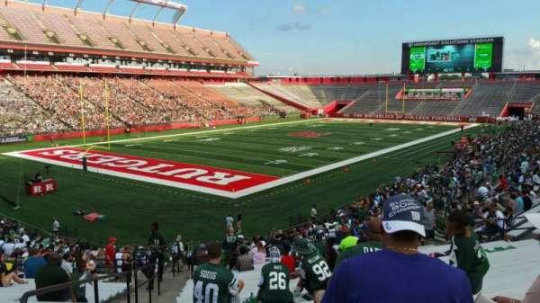 SHI Stadium, secção: 111, fila: 30, lugar: 26