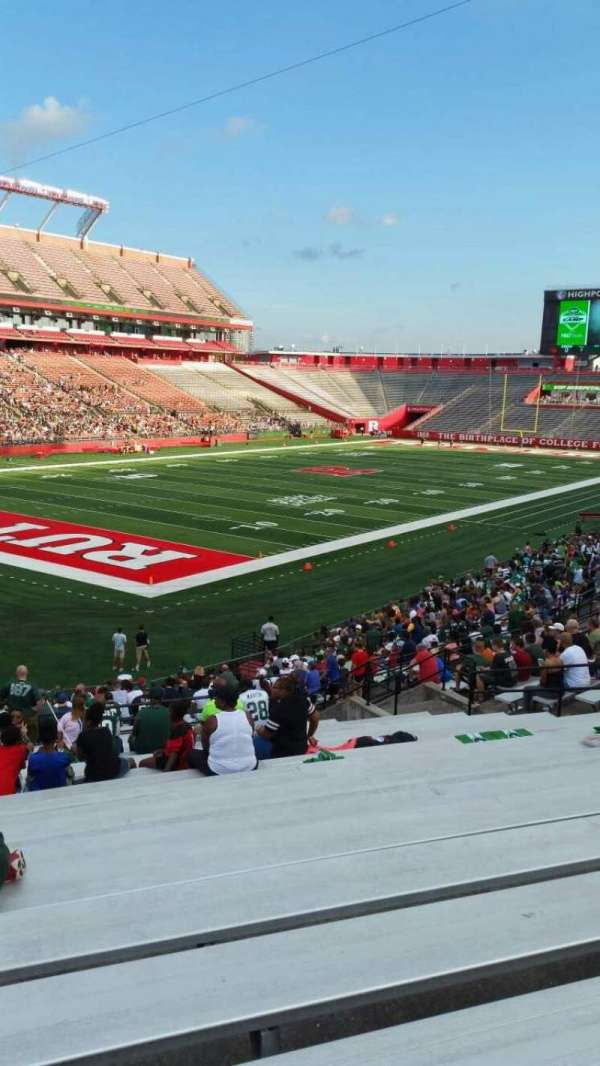 SHI Stadium, secção: 111, fila: 30, lugar: 19