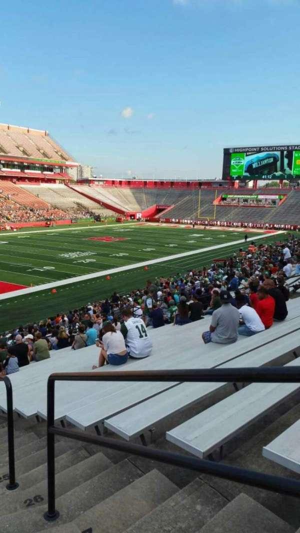 SHI Stadium, secção: 111, fila: 30, lugar: 1