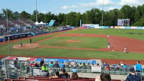 Dutchess Stadium, secção: 303, fila: J, lugar: 9