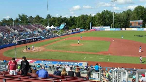 Dutchess Stadium, secção: 303, fila: N, lugar: 22