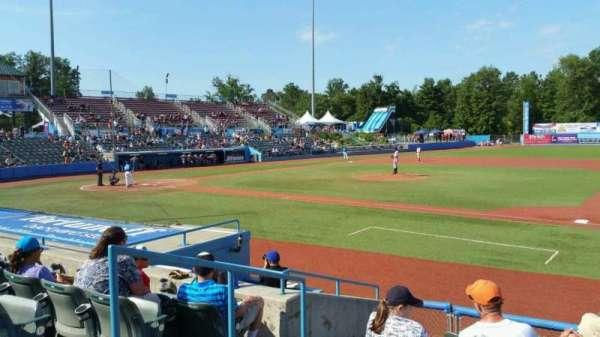 Dutchess Stadium, secção: 101.5, fila: H, lugar: 3