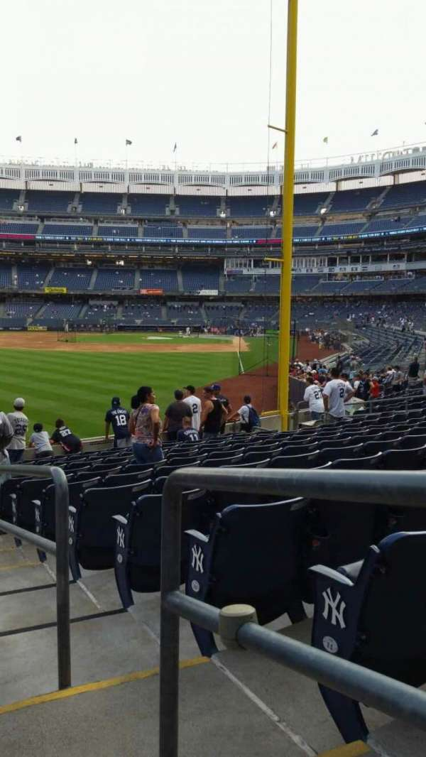 Yankee Stadium, secção: 133, fila: 13, lugar: 1