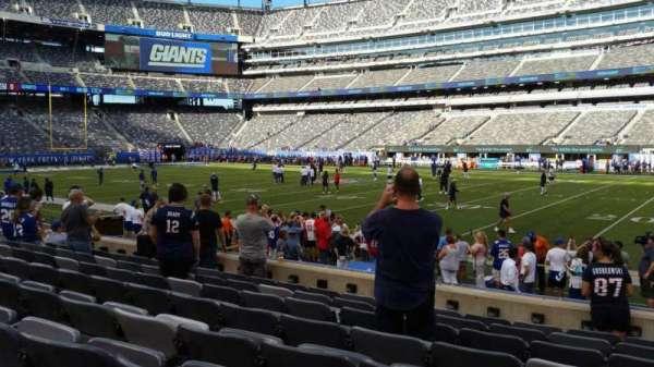MetLife Stadium, secção: 135, fila: 8, lugar: 9