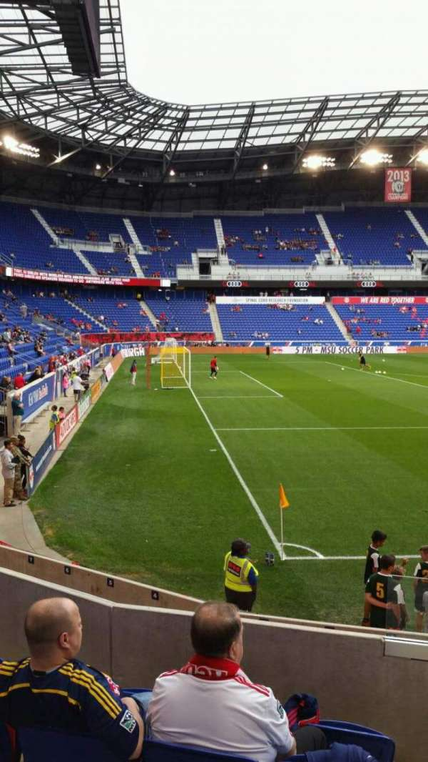 Red Bull Arena (New Jersey), secção: 114, fila: 8, lugar: 1