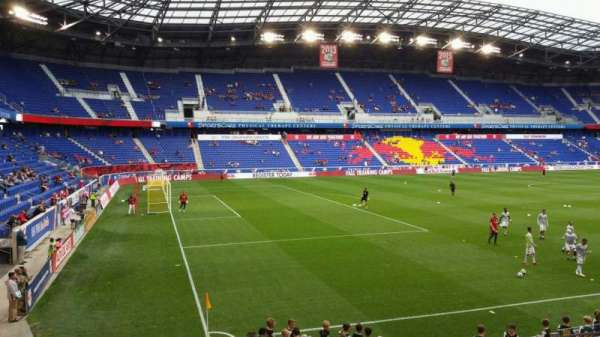 Red Bull Arena (New Jersey), secção: 113, fila: 11, lugar: 17