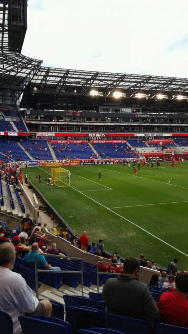 Red Bull Arena (New Jersey), secção: 130, fila: 14, lugar: 17
