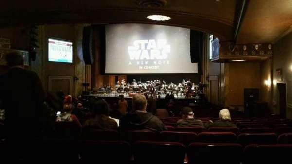 State Theatre New Jersey, secção: Orchestra, fila: AA, lugar: 8