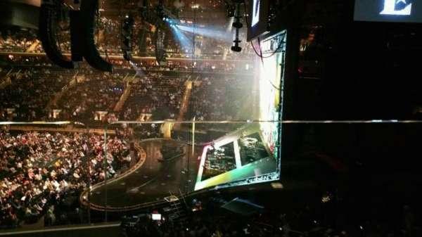 Madison Square Garden, secção: 213, fila: 1, lugar: 11