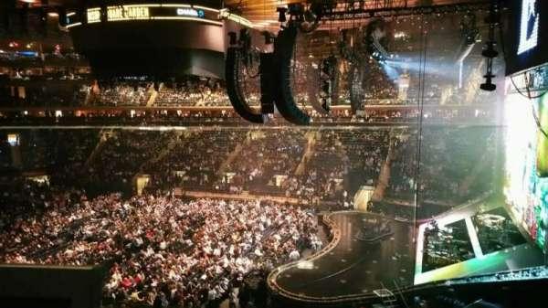 Madison Square Garden, secção: 213, fila: 1, lugar: 8