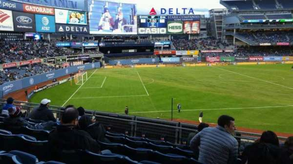 Yankee Stadium, secção: 228, fila: 7, lugar: 5