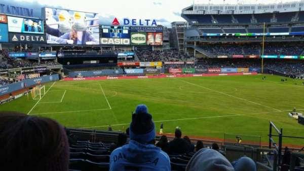 Yankee Stadium, secção: 228, fila: 11, lugar: 1