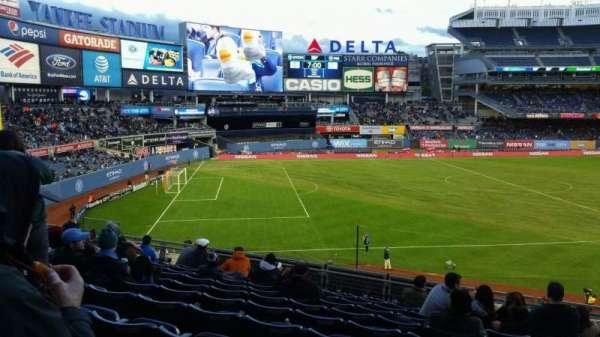 Yankee Stadium, secção: 228, fila: 11, lugar: 4