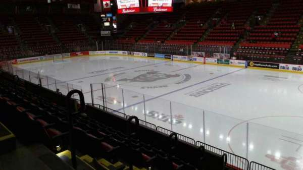 Floyd L. Maines Veterans Memorial Arena, secção: 12, fila: G, lugar: 9
