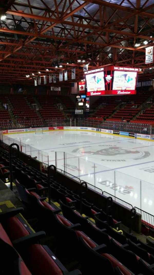 Floyd L. Maines Veterans Memorial Arena, secção: 12, fila: G, lugar: 5