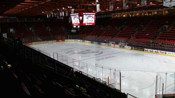 Floyd L. Maines Veterans Memorial Arena, secção: 11, fila: J, lugar: 7