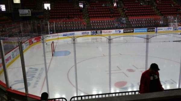 Floyd L. Maines Veterans Memorial Arena, secção: 18, fila: B, lugar: 8