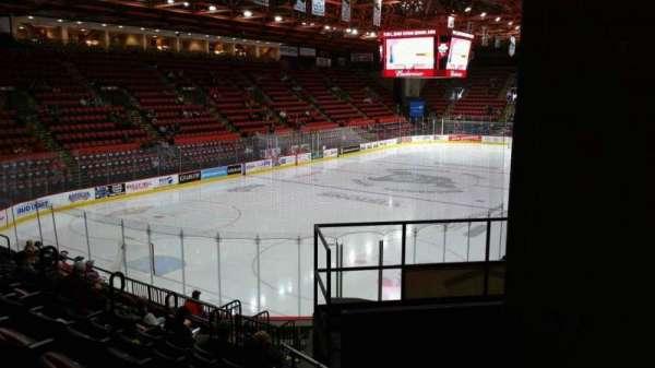 Floyd L. Maines Veterans Memorial Arena, secção: 20, fila: H, lugar: 7