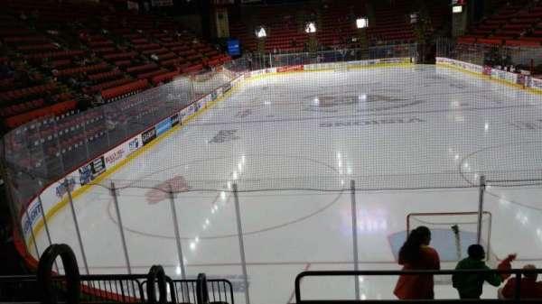 Floyd L. Maines Veterans Memorial Arena, secção: 22, fila: E, lugar: 13