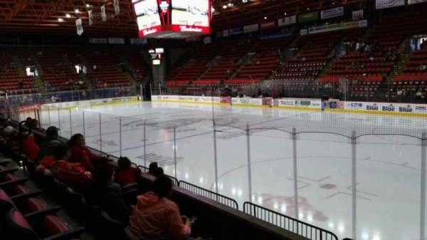 Floyd L. Maines Veterans Memorial Arena, secção: 26, fila: C, lugar: 1